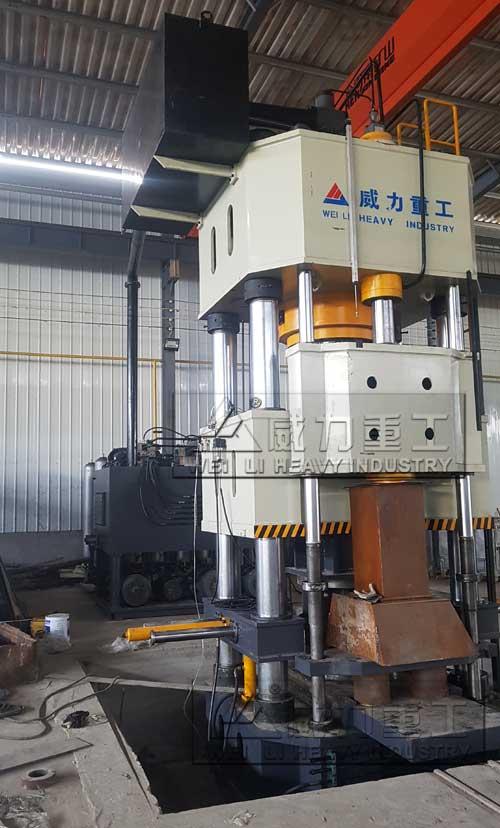 1000吨热模锻液压机