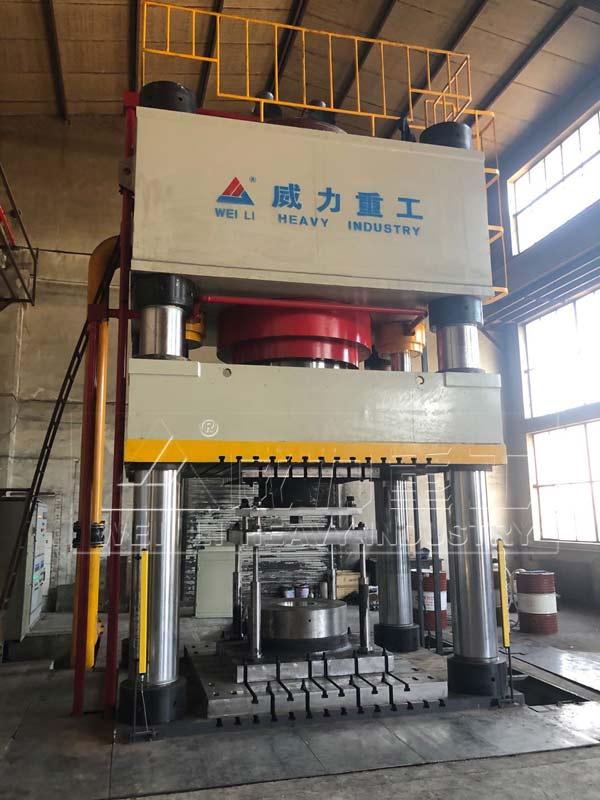 4000吨热锻成型快速液压机